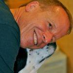 perro salva la vida a dueño obeso