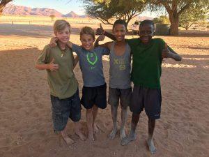 Angelina Jolie inaugura un santuario de animales en Namibia