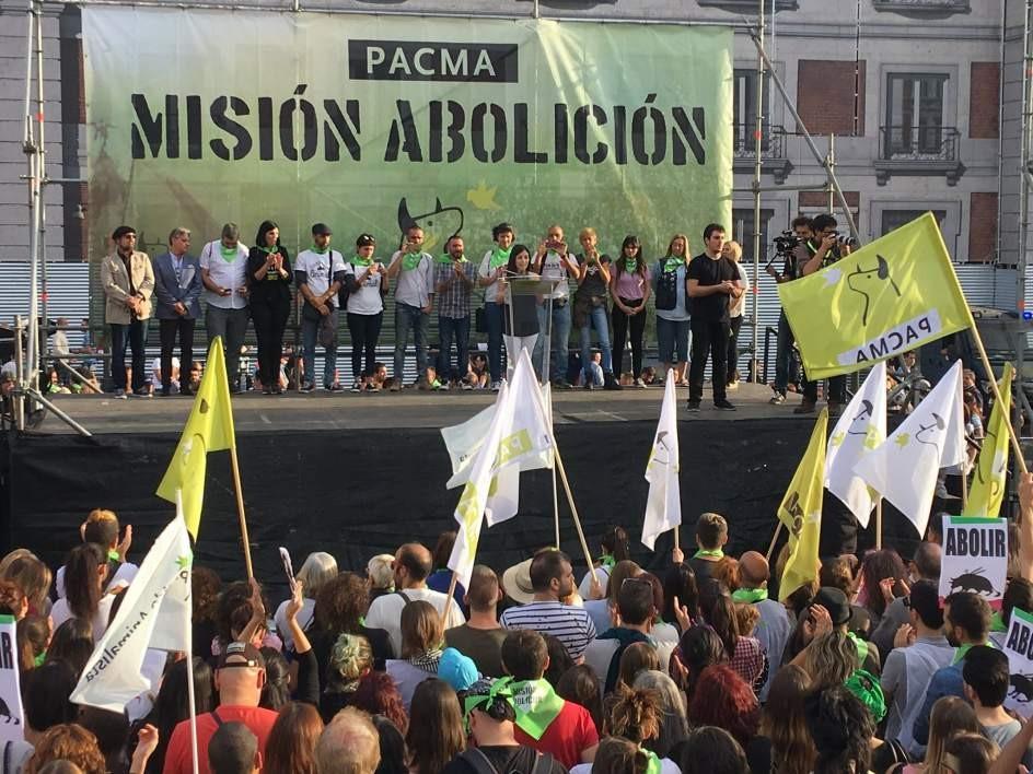 Multitudinaria manifestación contra la tauromaquia en Madrid