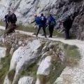 vacio legal excursionistas despeñan jabali