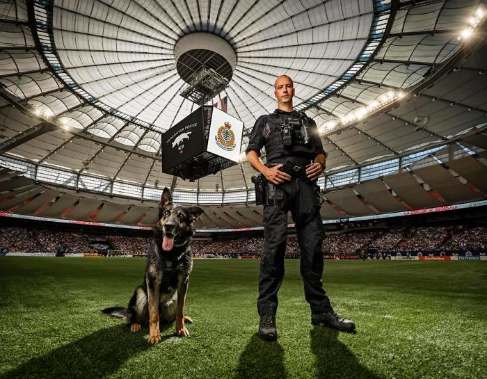 calendario solidario policia de vancouver