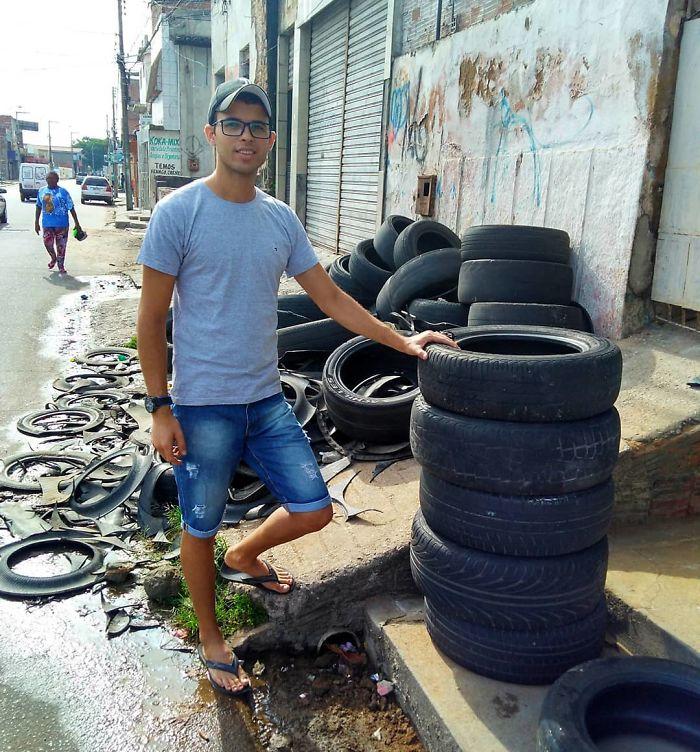 artista brasileño construye camas para animales con neumáticos viejos